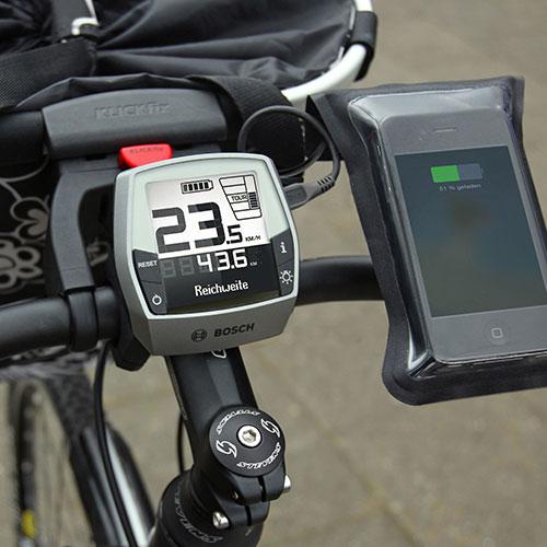 Manubrio bicicletta con ciclocomputer e telefono